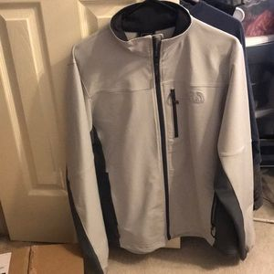 Northface men shell jacket
